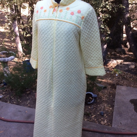 Vintage Other - Vintage Vassarette Flannel Quilt Long Robe M L